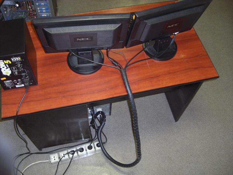 Как упорядочить компьютерные провода (после модификации)