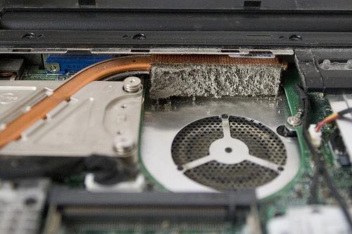 Чистка ноутбуков и компьютеров на Троещине в Киеве от пыли